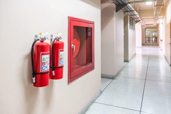 obligatorio tener extintores en una comunidad de vecinos